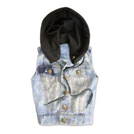 colete-infantil-menino-jeans-desbotado-desgastado-com-capuz-sfk