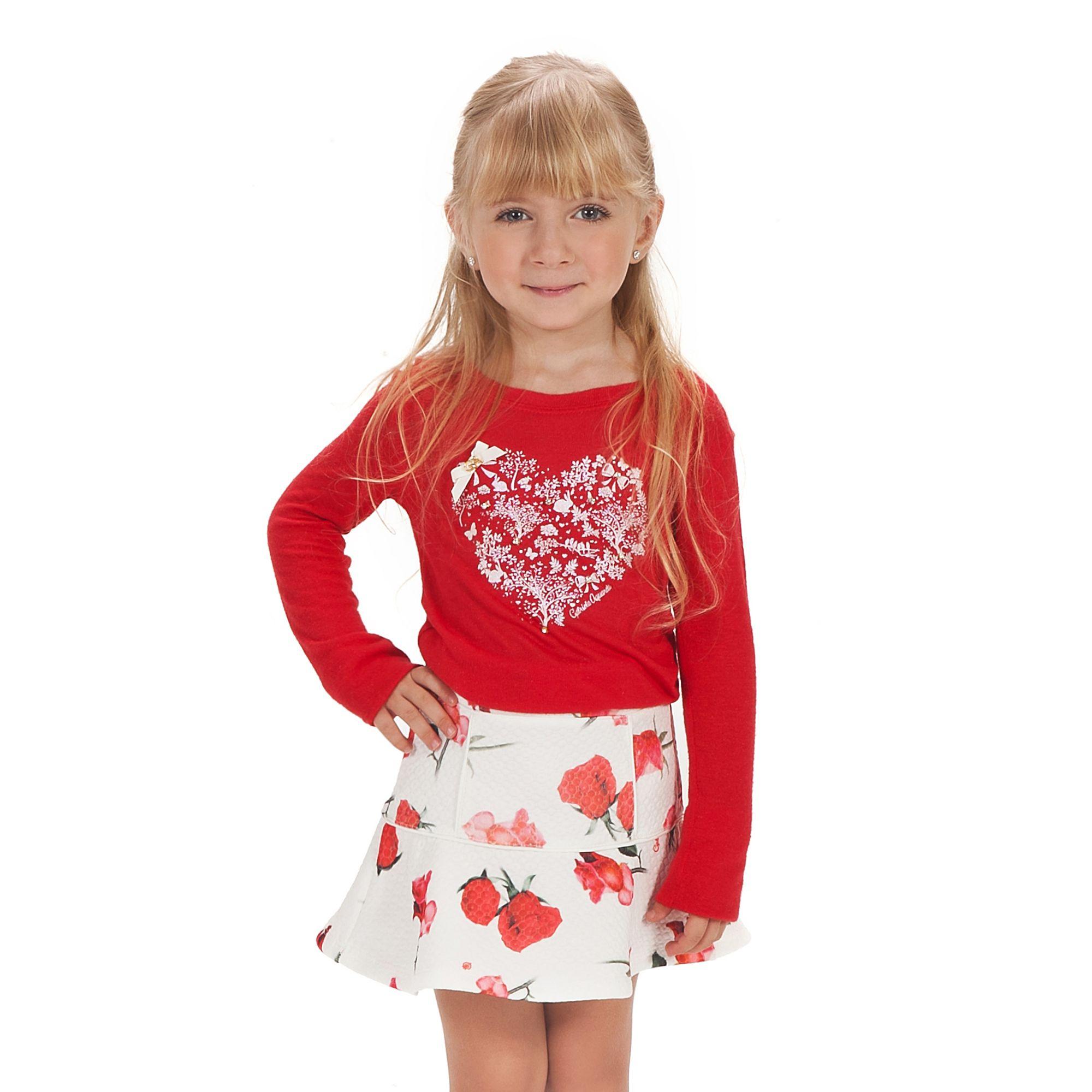 conjunto-menina-camiseta-vermelha-e-saia-matelasse-rosas-gabriela-aquarela