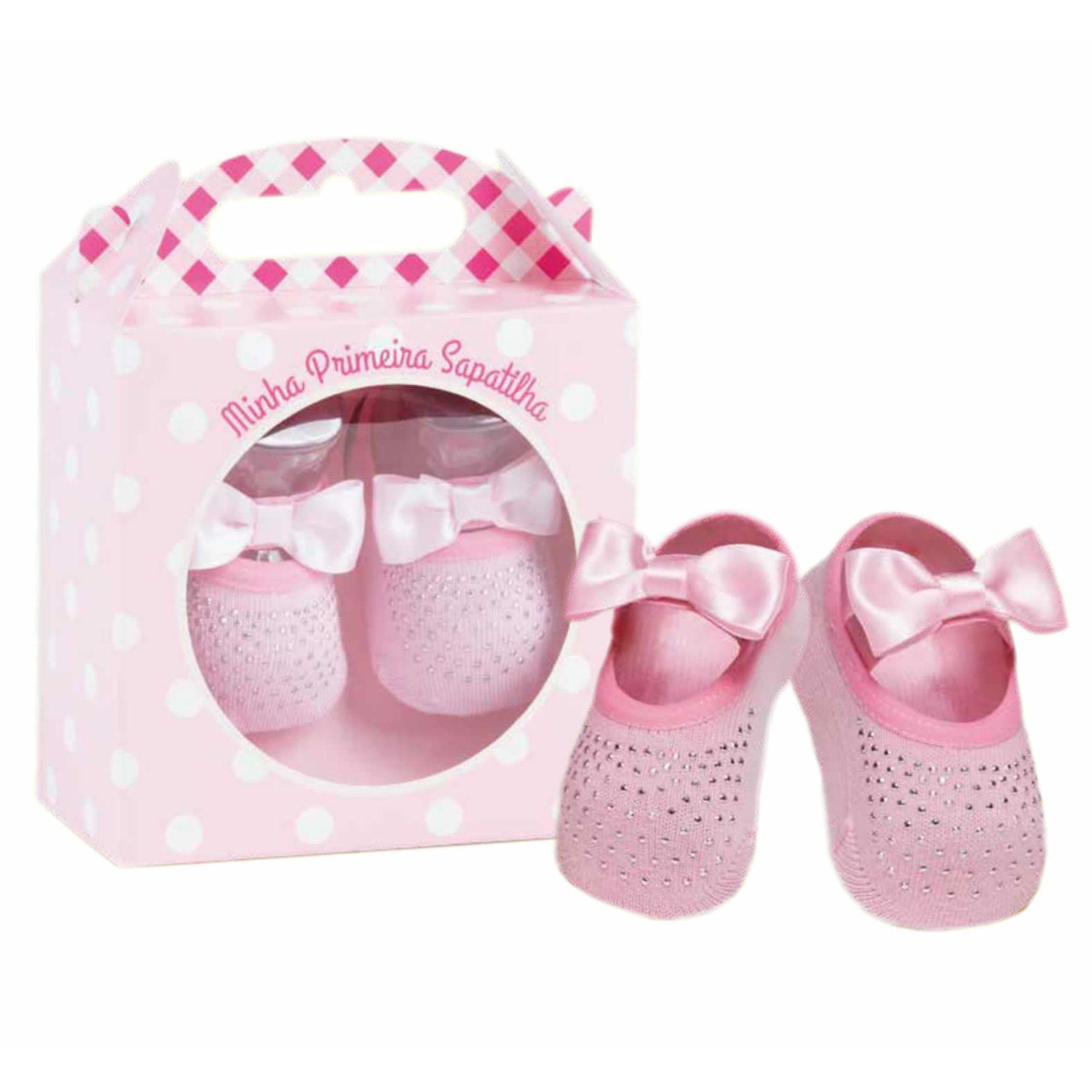 5da41123bd9e86 Kit Maternidade Meia Minha Primeira Sapatilha Boneca Rosa Puket ...