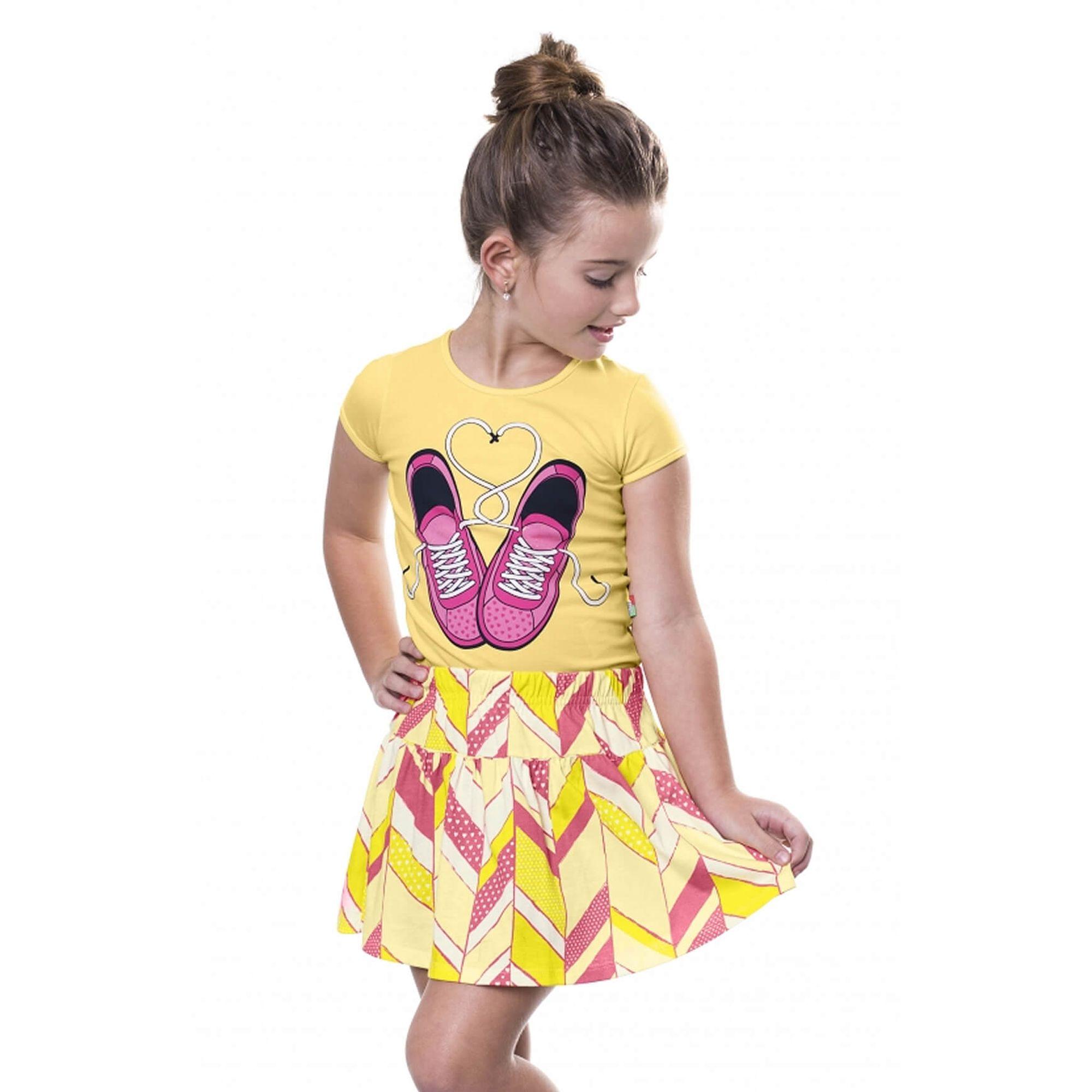 77b11c2e0f Conjunto Menina Blusa Amarela Tênis Pink e Saia Rodas em Malha - Bee Loop -  EcaMeleca