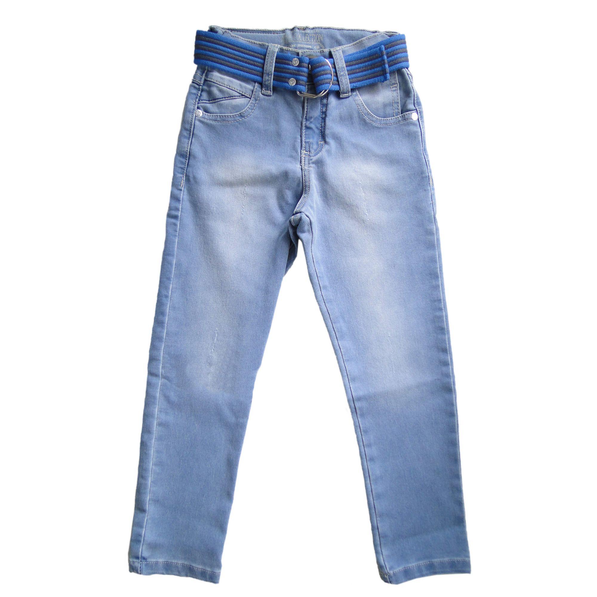 calca-menino-jeans-claro-com-cinto-azul-e-cinza