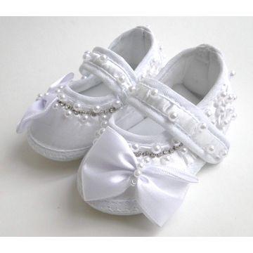 sapatilha-bebe-cetim-branco-perolas-strass-e-laco-1