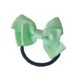 Laco-com-elastico-maria-chiquinha-verde-claro-Lacos-da-Sorte-loja-EcaMeleca-Kids