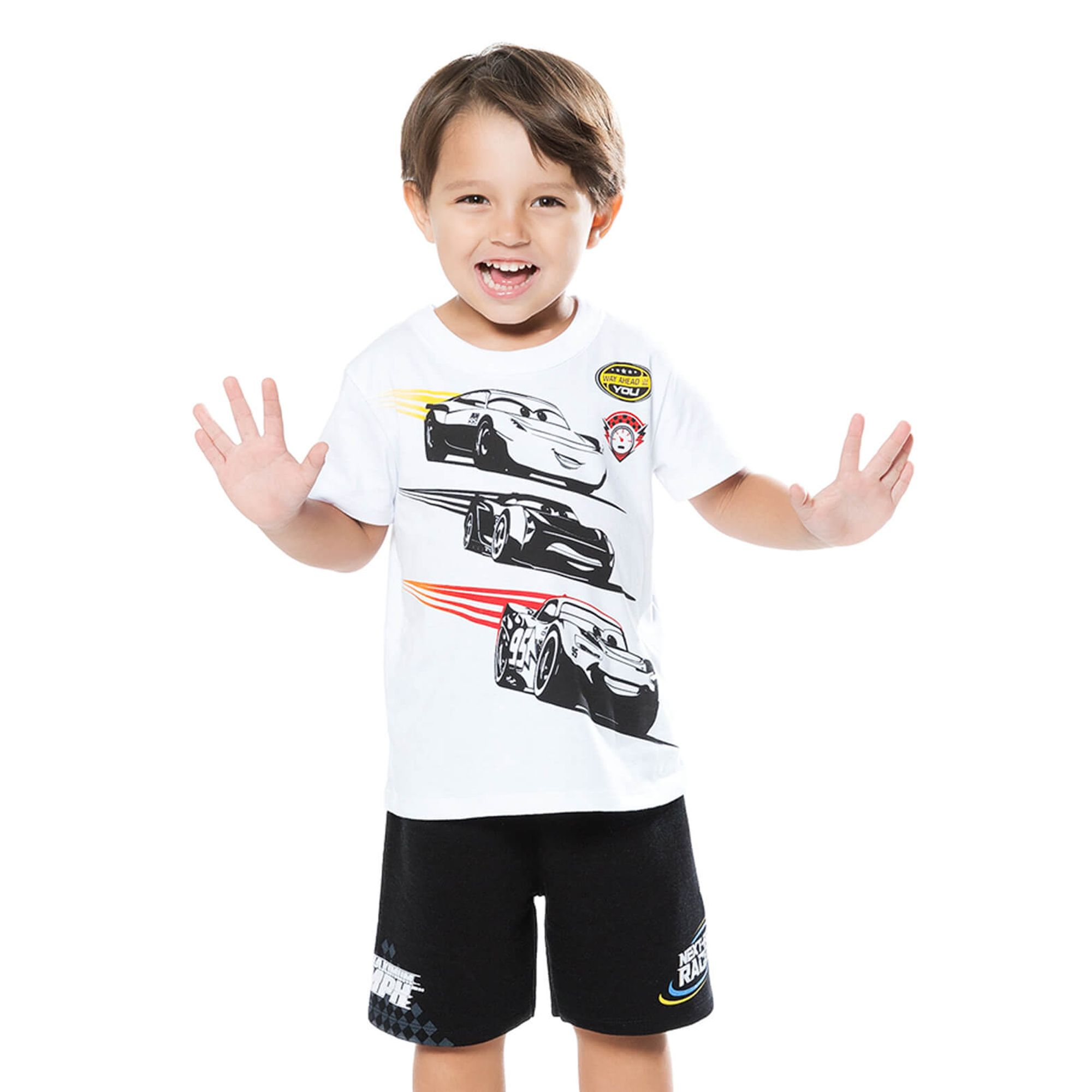conjunto-menino-camiseta-carros-disney-e-bermuda-moletom