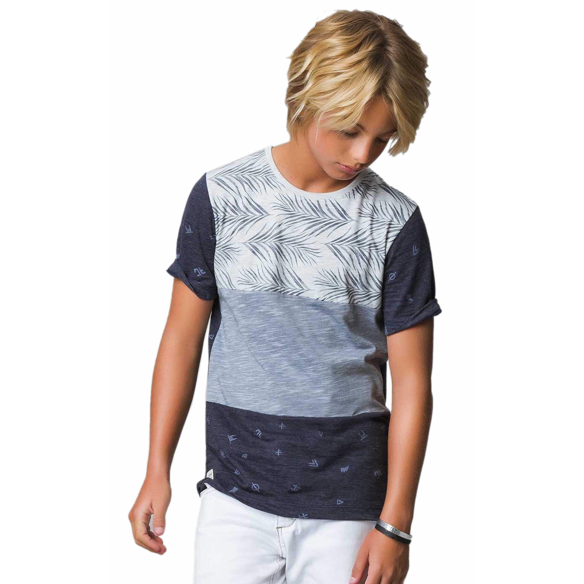 Camiseta Infantil Malha Flamê Três Faixas Azul Marinho e Cinza . 661033b35f2